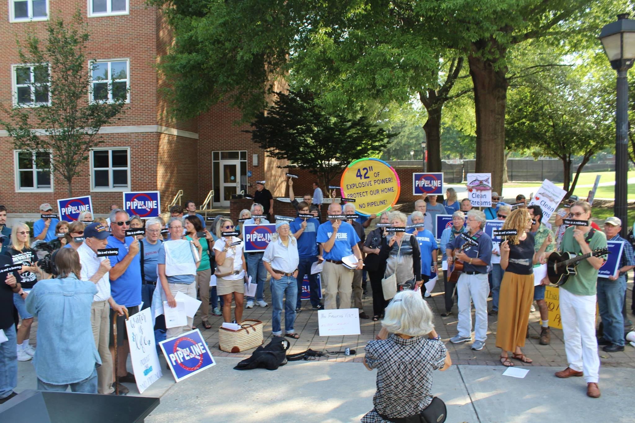 Mountain Valley Pipeline public hearings at VA DEA, August 2017 (Photo: POWHR-Protect Our Water Heritage Rights)