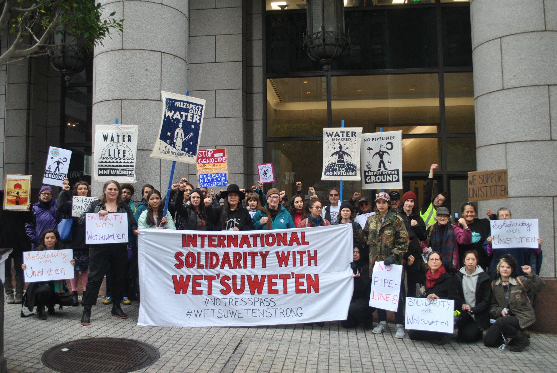 Image via Unist'ot'en Camp: International Solidarity with Wet'suwet'en Action, February 2020